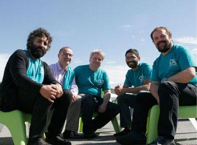 自左向右:David Cuartielles, Gianluca Martino, Tom Igoe, David Mellis和Massimo Banzi摄于纽约
